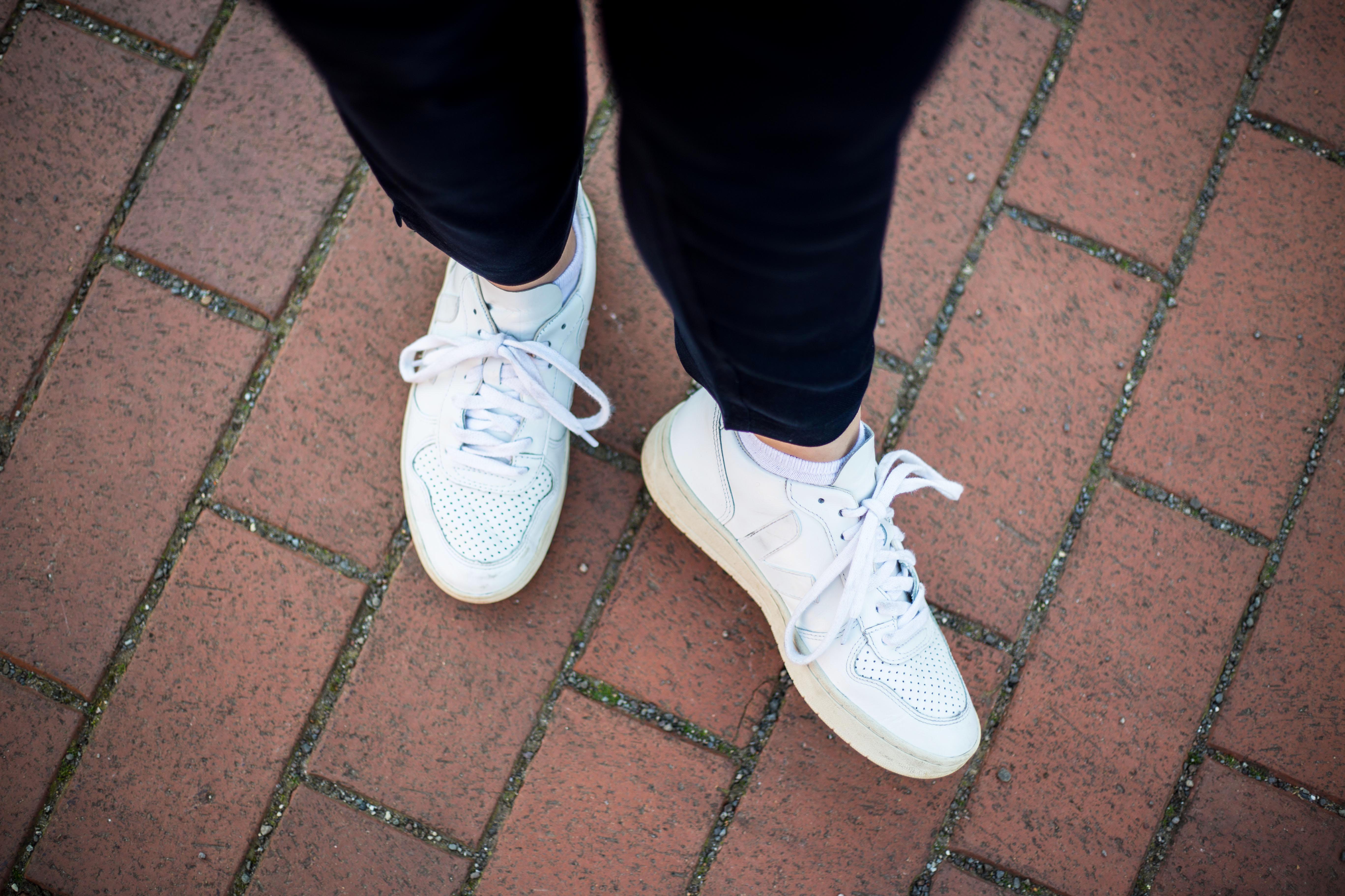 Veja V-10 Shoes
