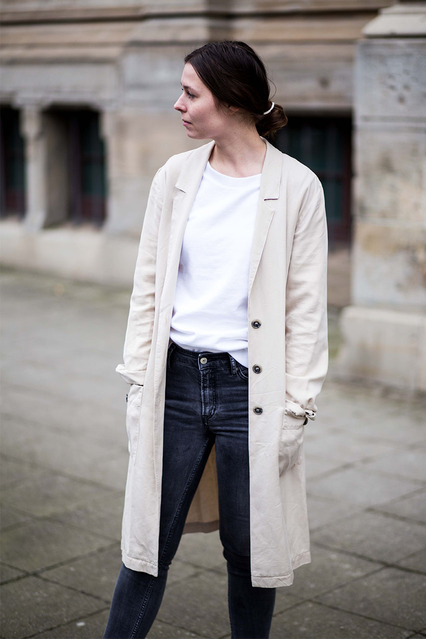 Deutsch) Fair Fashion Frühlingslook mit Trenchcoat the OGNC