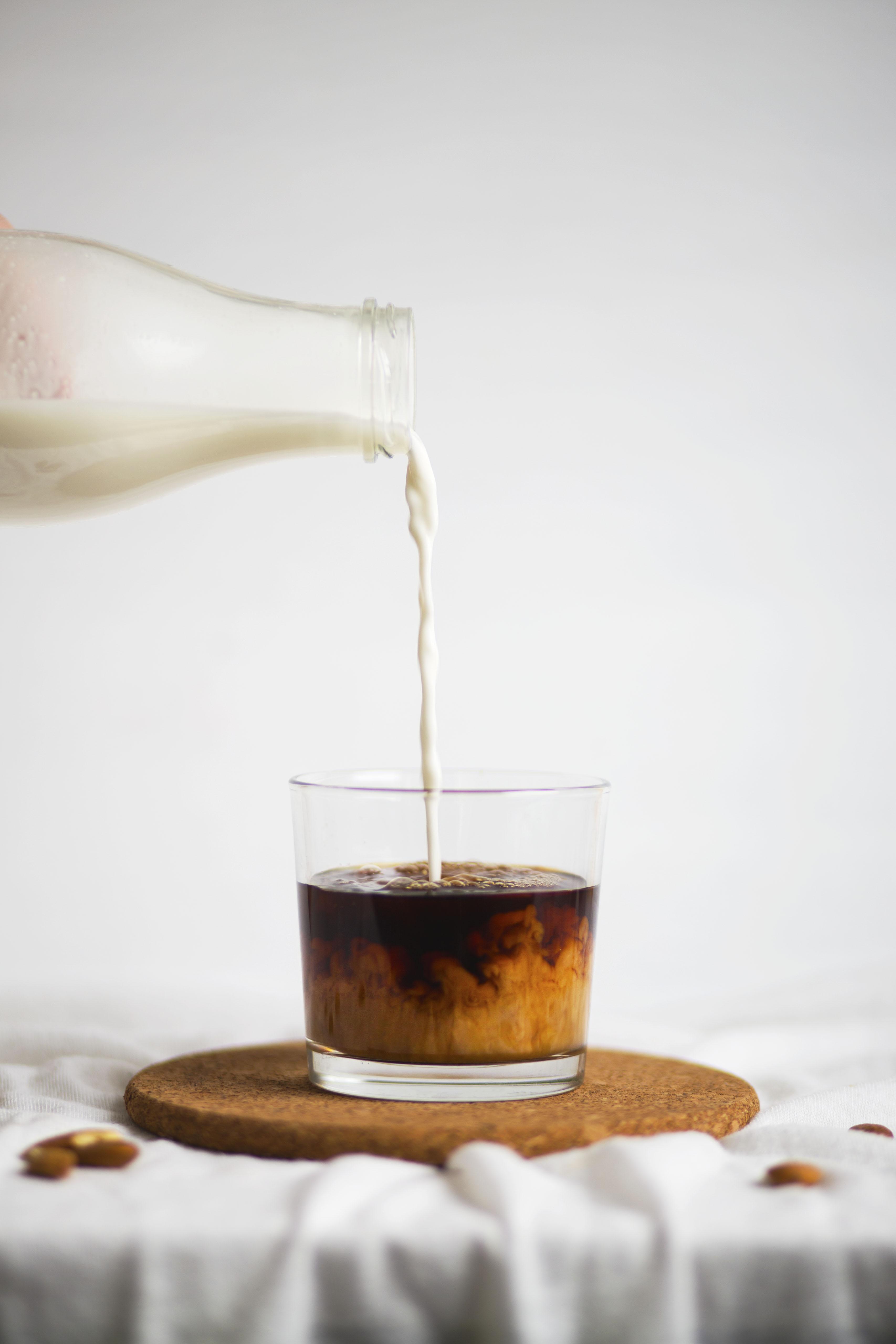 Mandeldrink für Kaffee