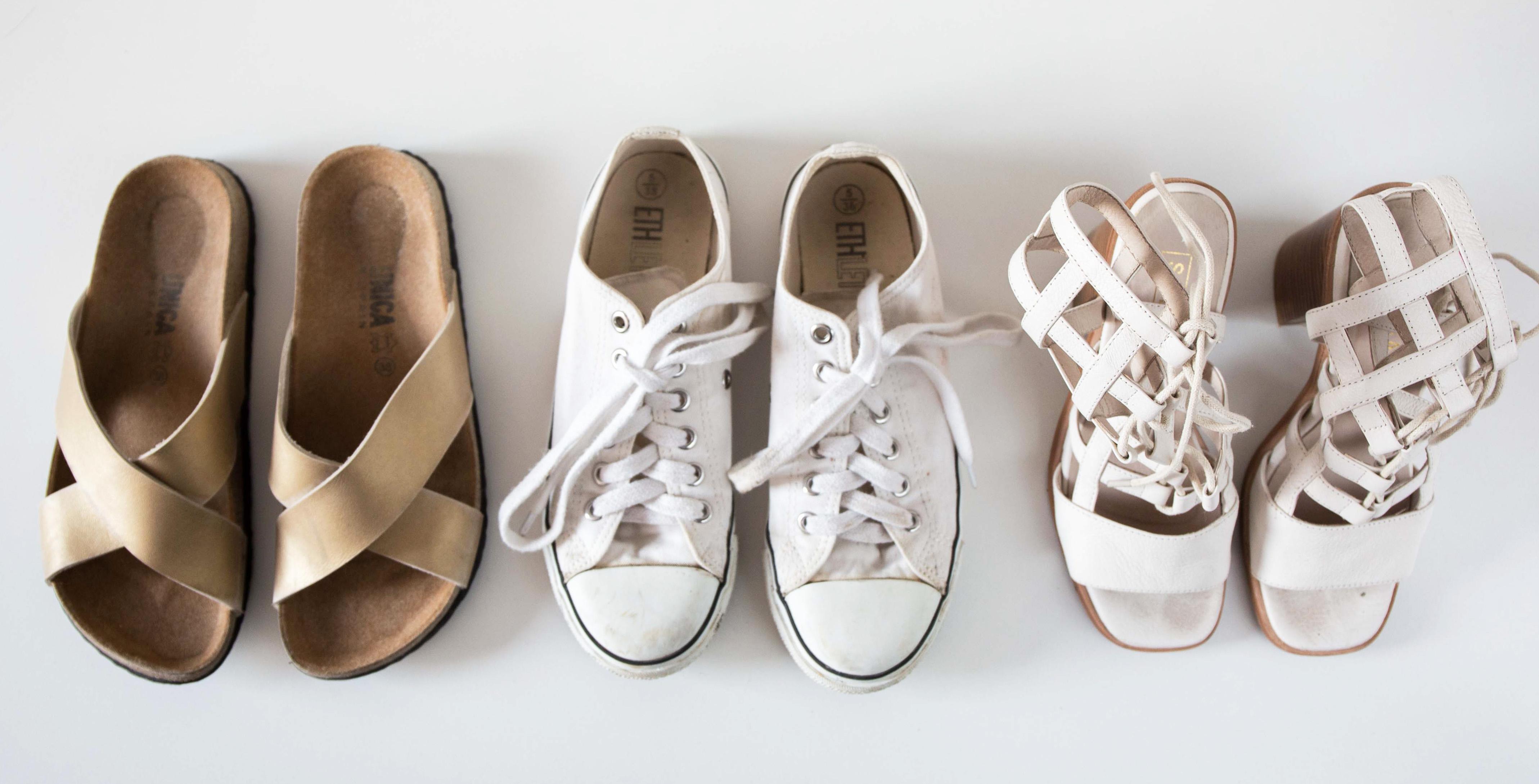 Minimalismus: Einblick in einen minimalistischen Kleiderschrank - Schuhe
