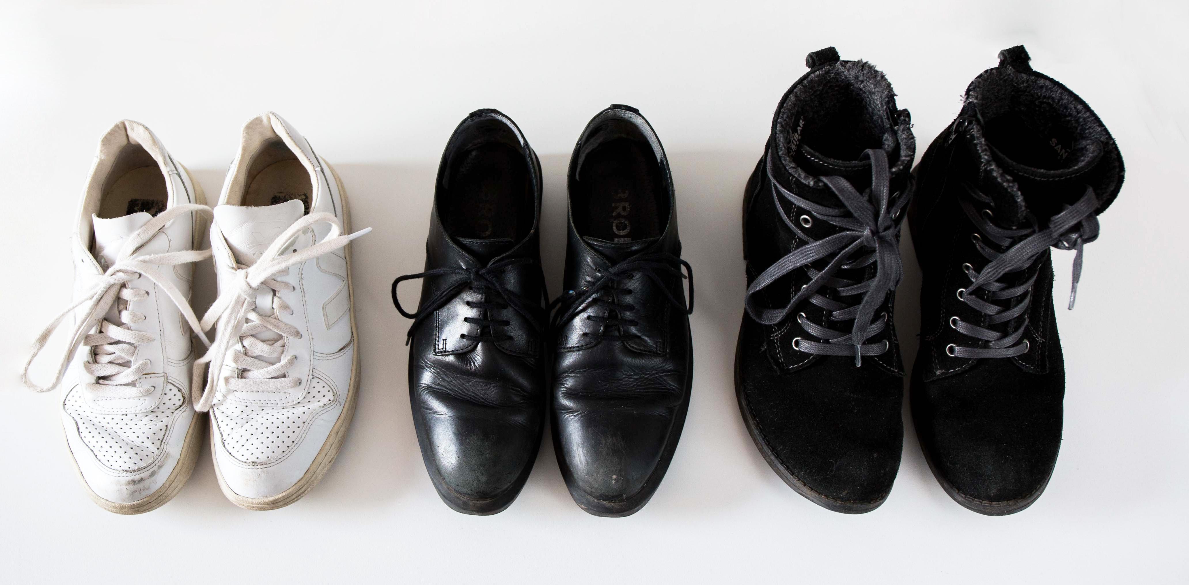 Minimalismus: Einblick in einen minimalistischen Kleiderschrank