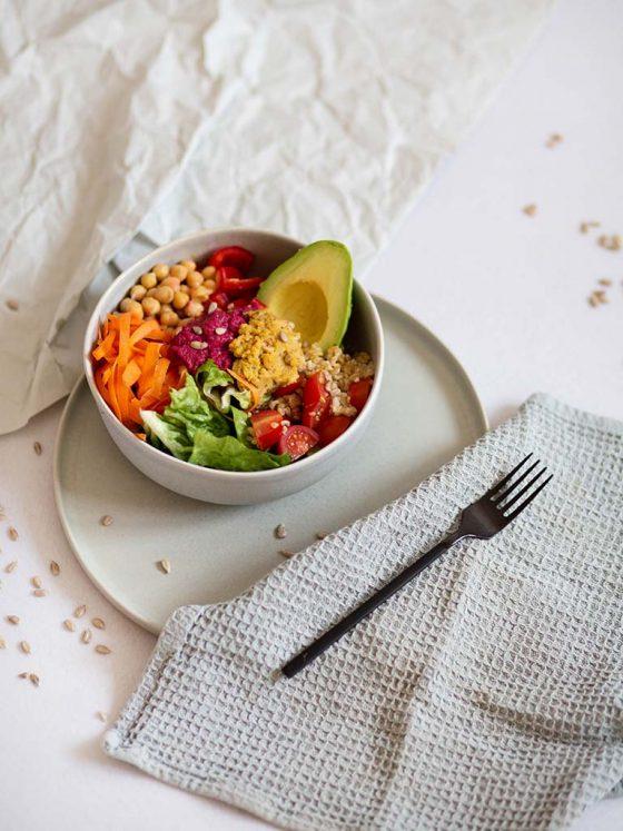 Vegane Bowl gesund mit Bio Vital-Ölen